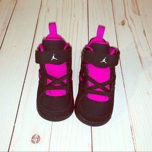 Air Jordan | toddler SZ:5 | fuchsia/black